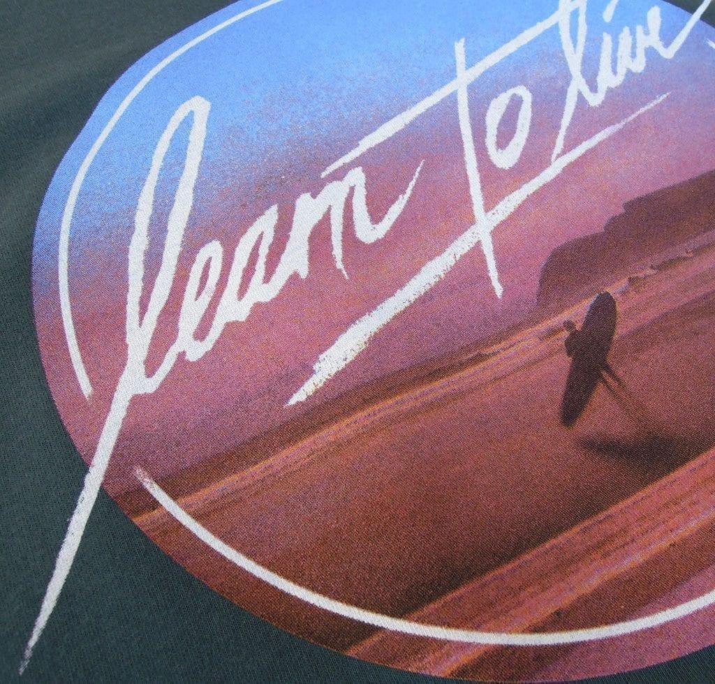 learntolive_petrol_shirt_det